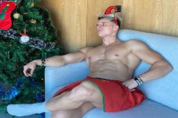 O Φίλιππος Αρβανίτης από το «Power of Love» αντί για… δώρα μοιράζει πόνο ως Άγιος Βασίλης σε πορνό ταινία!