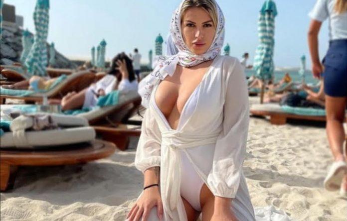 Ρεγγίνα Γκαϊνα: Μια καυτή Ελληνίδα στο Ντουμπάι – «Αισθάνεσαι λες και δεν υπάρχει πανδημία» [φωτο]
