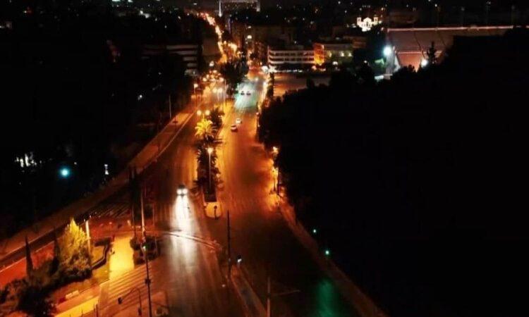 Κορωνοϊός-Lockdown: «Νεκρές» πόλεις Αθήνα και Θεσσαλονίκη – Μπλόκα και αυστηροί έλεγχοι (Video)