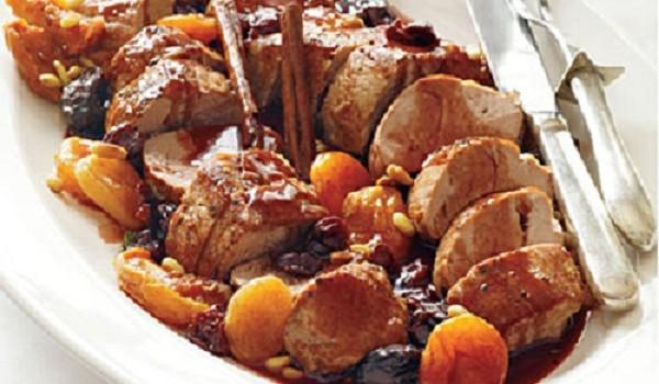 Χοιρινό με δαμάσκηνα: Μία συνταγή που θα εντυπωσιάσει στο τραπέζι
